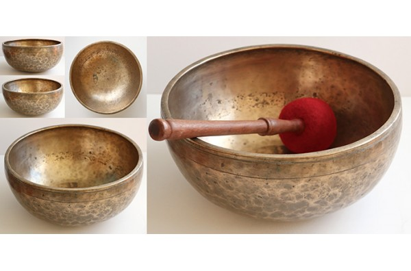"Antique 10 ¼"" Jambati Singing Bowl – 2 Concert Pitch Voices & Long Sustain"