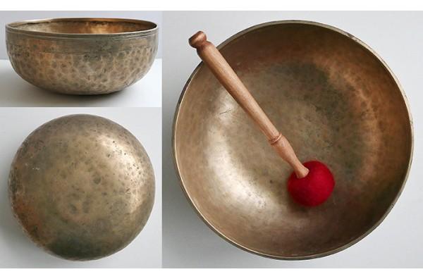 """Large 11 ½"""" Antique Jambati Singing Bowl – Superb F2 & B3"""