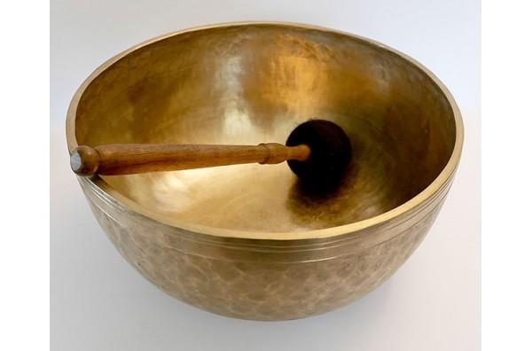 Huge 20th Century 12¾-inch Jambati Singing Bowl – E2 (84Hz)