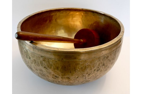 Majestic 12½-inch Antique Jambati Singing Bowl – C#3 (136Hz)