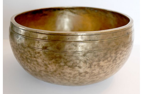 Lightweight 9½-inch Antique Jambati Singing Bowl – F3 & F#3