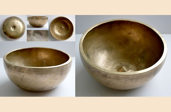 Superb Large 8½-inch Antique Lingam Singing Bowl – D4 (289-291Hz)