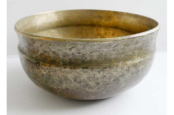 Unusual Antique Himalayan Ultabati Singing Bowl – C#3 (140Hz) Damaged