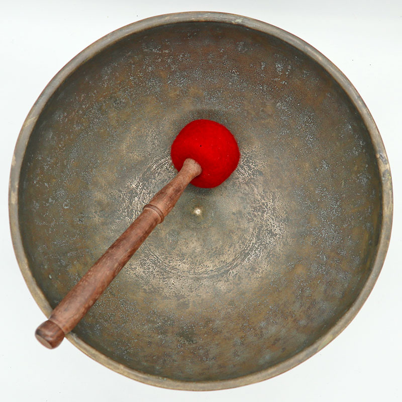"Superlative 17th Century 11 ¼ ""Jambati-Lingam Singing Bowl – Perfect Pitch C#3"