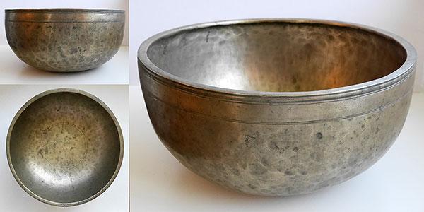 Huge 13-inch Antique Jambati Singing Bowl – C3 (133 Hz)