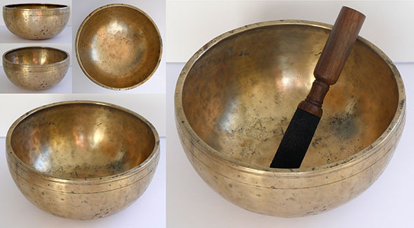 "Small Superior Quality 8 ½"" Antique Jambati Singing Bowl – Concert Pitch A3"