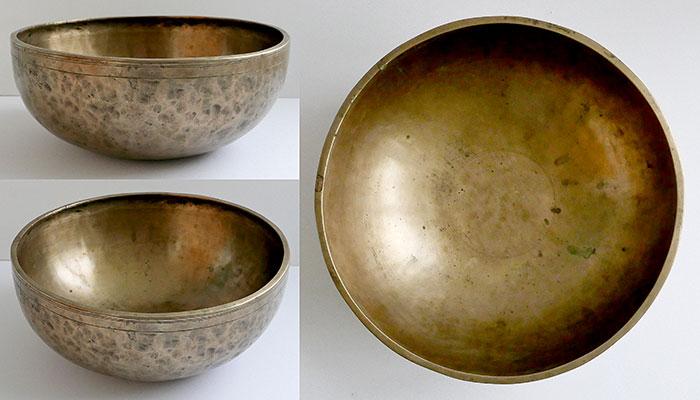 "Large 11 ¼"" Antique Jambati Singing Bowl – Rare A2 (108Hz) & E4 (336Hz)"