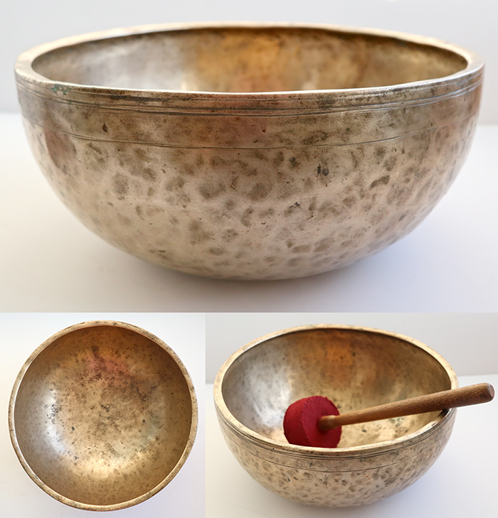 "Huge Premium Quality 12 ½ "" Antique Jambati Singing Bowl – C#3 (142Hz) & Long Sustain"