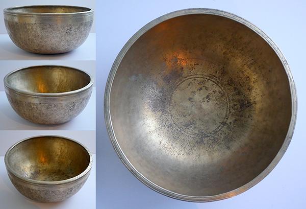 """Majestic 11 ¾""""Antique Jambati Singing Bowl – Superb D3 (144/5Hz)"""