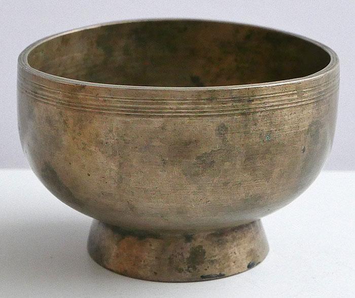 Tiny Antique Naga Singing and Healing Bowl – E5 & A6 - Inscription