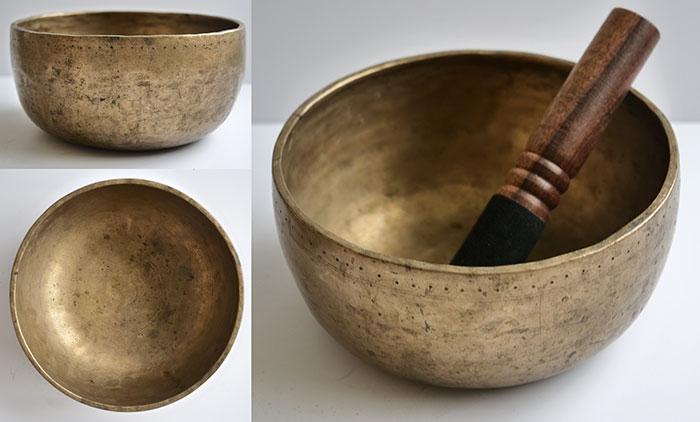 Antique Thadobati Singing Bowl – B3 (245Hz)