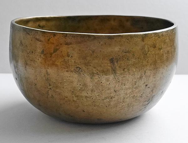 19th Century Antique Thadobati Singing Bowl – Perfect Pitch A3 (220Hz)