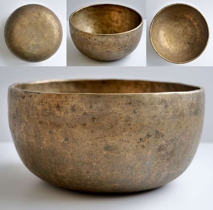 Large Antique Thadobati Singing Bowl – Excellent G#3 (206Hz)
