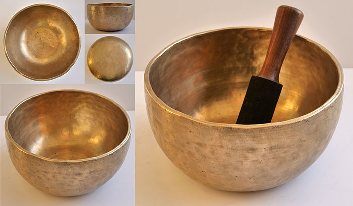Fabulous Large & Heavy Golden Thadobati Singing Bowl – F#3/G3