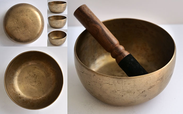 Superb Tiny Antique Thadobati Singing Bowl – F4 (374Hz)
