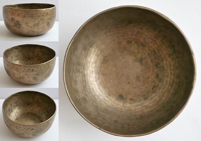 Antique 19th Century Thadobati Singing Bowl – F#3 & Concert Pitch C5 (524Hz)