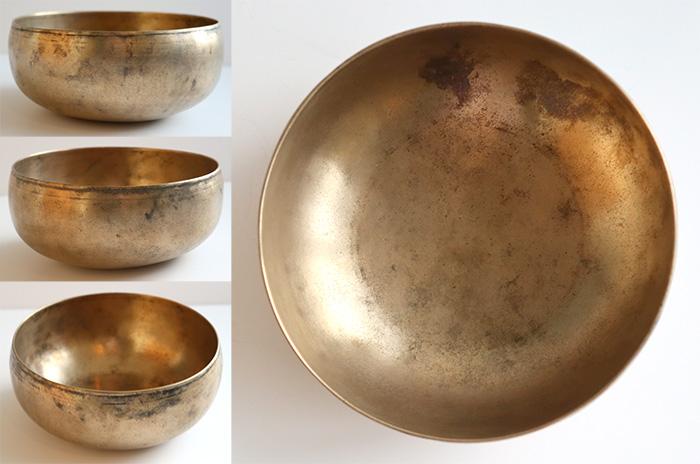 Graceful Antique Singing Bowl – F3/F#3 & Bb5